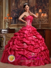 2013 Affordable Customer Made Appliques Wholesale Coral Red Quinceanera Dress Strapless ruching Taffeta Ball Gown In Itaugua Paraguay Style QDZY466FOR