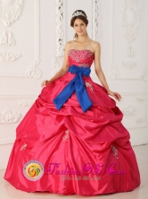 Customize Coral Red Strapless For Quinceanera Dress With Beading Appliques and blue Bowknot In Menno Paraguay Style QDZY388FOR