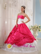 Customize New Coral Red and White Quinceanera Dress With Sweetheart Neckline and beautiful Appliques Decorate In Coronel Oviedo Paraguay  Style QDZY449FOR