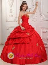 Princess Strapless Sweetheart Wholesale Taffeta Appliques and Pick-ups For Wonderful Red Quinceanera Dress In Trinidad Paraguay Style QDZY083FOR