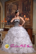 Strapless Cute White  Quinceanera Rufflesd Layers Dress With Zebra Organza ball gown In Pilar Paraguay Style QDZY407FOR