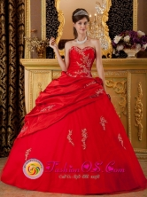 Discount Wine Red Sweet 16 Dress With Appliques Sweetheart With Taffeta For 2013 Quinceanera in Spring  IN   Blancas Nicaragua  Style QDZY228FOR