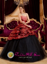 Castro Chile Zebra Exquisite Red and Black Quinceanera Dress Strapless and Tulle Hand Made Flowers And Beading Decorate Style QDZY213FOR