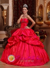 Chanaral Chile Stylish Red Appliques Decorate Bust 2013 Quinceanera Dress With Taffeta Beading And Ruffles for Military Ball Style QDZY632FOR