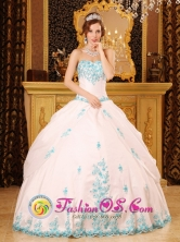 Exquisite Appliques White Ball Gown For Sweetheart Quinceaners Dress in Molina Chile Style QDZY093FOR