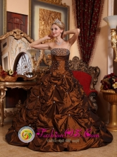 Lo Miranda Chile Princess Sweetheart Taffeta Beaded Beaded Pick-ups for 2013 Spring Quinceanera Style QDZY051FOR