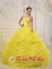 Quinta de Tilcoco Chile Sweetheart Ruched Bodice Beaded Decorate Waist Pick-ups Quinceanera Dress Style QDZY105FOR