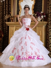 San Fernando Chile  Wonderful White A-Line Quinceanera Dress  With Appliques And Hand Made Flower Style QDZY190FOR