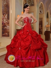 Beading and Embroidery Decorate Bodice Affordable Red Strapless Taffeta Ball Gown For 2013 Algeciras Colombia Quinceanera Style QDZY312FOR