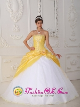 Filandia Colombia With beading Bodice Yellow and White Taffeta Wholesale Quinceanera Dress For 2013 Spring Style QDZY462FOR