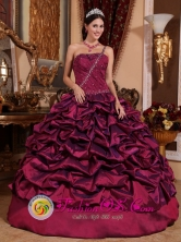 Morales Colombia Burgundy Pick-ups One Shoudler Quinceanera Dresses Beaded Decorate and Ruched Bodice Custom Made Style QDZY700FOR