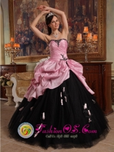 Santa Catalina Colombia Spring Hand Made Flowers New Arrival Rose Pink and Black Sweet 16 Dress Sweetheart Tulle and Taffeta Stylish Ball Gown Style QDZY508FOR