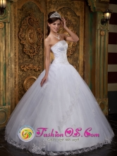 Suaza Colombia Customize Cheap White Wholesale Quinceanera Dress With Strapless Neckline Embroidey and Lace Decorate Style QDZY136FOR