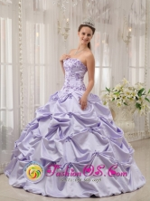 Tauramena Colombia Summer Sweet Lilac Pick-ups and Appliques Sweet 16 Dress With Strapless Wholesale Taffeta In Spring Style QDZY54FOR