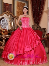 Villanueva Colombia Winter Strapless Embroidery Decorate For Gorgeous Quinceanera Dress In Coral Red Style QDZY541FOR