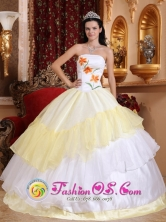 Chiriqui Panama Romantic White and Light Yellow Quinceanera Dress With Embroidery Decorate For Military Ball Style QDZY420FOR