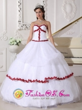 La Mitra Panama Customized White and Wine Red Organza Sweetheart Appliques Quinceanera Dress Style QDZY676FOR