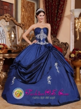 Huanuco Peru Cistomize Navy Blue Sweetheart Appliques 2013 Sweet Ball Gown 16 Dress With Hand Made Flowers for Prom Style QDZY587FOR