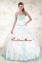 Modest Appliques 2015 Quinceanera Dresses in White XFNAO093FOR