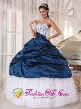 Nazca Peru White and Navy Blue Taffeta and Organza Embroidery Decorate Bust Ball Gown Floor-length Quinceanera Dress For 2013 Style PDZY374FOR