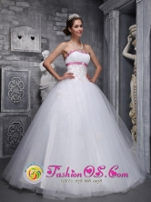 Customize Beading And Appliques Decorate Tulle White Romantic Quinceanera Dress IN Colonia del Sacramento Uruguay Style ZYLJ03FOR