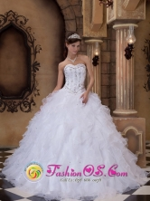 Embroidery With Beading Ruffles White Floor-length Ball Gown Wholesale Quinceanera Dress For 2013 IN  Salinas Uruguay Style QDZY152FOR