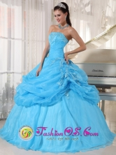 2013 Leon Mexico Fall Wholesale Baby Blue Strapless Organza Ball Gown Appliques Quinceanera Dress with Pick-ups Style PDZY687FOR