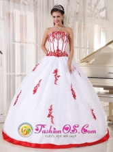 Palenque Mexico Wholesale Customized White and red Satin and Organza Quinceanera Dress With Strapless Appliques Decorate Style PDZY569FOR