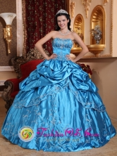 Tlajomulco de Zuiga Mexico Customize Wholesale Blue Pick-ups Embroidery with glistening Beading Quinceanera Dress Style QDZY409FOR