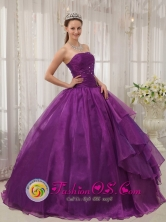 Customize Beaded Decorate Bust and Ruch Organza Quinceanera Dresses Eggplant Purple Strapless In La Romana Dominican Style QDZY365FOR