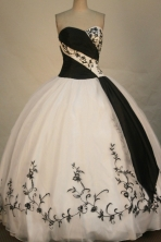 Fashionable Ball Gown Sweetheart Floor-length White Satin Embroidery Quinceanera Dress Style FA-L-193