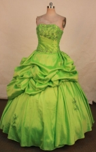 Modest Ball Gown Strapless Floor-length Quinceanera Dresses Appliques with Beading Style FA-Z-0337