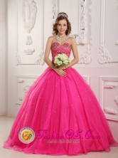 2013 Juliaca Peru Princess Hot Pink Popular wholesale Quinceanera Dress With Sweetheart Beading Decorate Style QDZY090FOR
