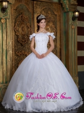 Chimbote Peru Custom Made Off The Shoulder For wholesale Quinceanera Dress With Lace Appliques and Hand Made Flower Decorate for Quinceanera Style QDZY134FOR