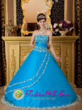Ferrenafe Peru Teal Strapless Sash Tulle Embroidery Decorate A-line wholesale Quinceanera Dress  Style QDZY150FOR