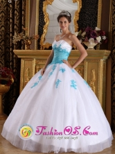 Huacho Peru White and Blue wholesale Quinceanera Dress For 2013 With Sweetheart Appliques Organza Ball GownStyle QDML059FOR