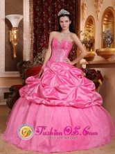 Huancayo Peru Sweet Rose Pink Modest wholesale Quinceanera Dress With Pick ups and Beaded Decorate Bodice for Graduation Style QDZY616FOR
