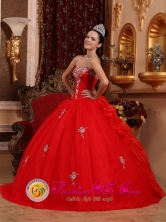 La Union Peru Spring Classical Appliques Decorate Bust Red Ball Gown wholesale Quinceanera Dress For 2013 Custom Made Floor length Style QDZY614FOR