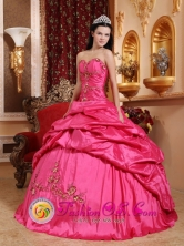Piura Peru Wonderful Sweetheart wholesale Quinceanera Ball Gown Dress For Gorgeous Hot Pink Pick-ups and Appliques Style QDZY637FOR