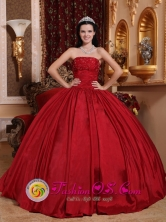 Sechura Peru Gorgeous Custom Made Red Beaded Decorate Bust wholesale Quinceanera Dress With Strapless Taffeta Style QDZY597FOR