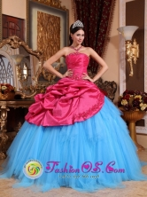 Tarapoto Peru Stylish Red and Blue 2013 wholesale Quinceanera Dress With Appliques and Beadings Ball Gown in Summer Style QDZY634FOR