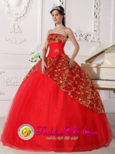 Custom Made Lace Appliques Decorate Inexpensive Red Quinceanera Dress With Tulle For Military Ball In Comerio Puerto Rico cWholesale Style QDZY752FOR