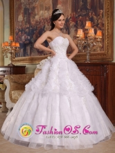 Wear A White Sweetheart Neckline Ruched Bodice For 2013 Bayamon Puerto Rico Spring Quinceanera Dress Wholesale Style QDZY248FOR