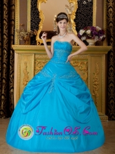 Customized Wholesale Strapless Sky Blue Quinceanera Dress With Appliques Decorate Pick-ups Gown In Ospino Venezuela Style QDZY087FOR