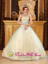 Light Yellow Wholesale Beading Quinceanera Dress For 2013 Sweetheart Satin and Organza A-line Gowns In Michelena Venezuela Style QDZY115FOR