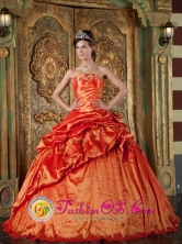 Orange Red  Wholesale Pick-ups Strapless Ball Gown Taffeta Appliques Quinceanera Dress In Maturin Venezuela Style QDZY071FOR