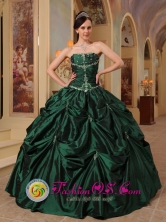 2013 La Ceja Colombia Wholesale Custom Made Latest Hunter strapless Green Quinceanera Dress For Winter  Style QDZY393FOR