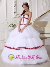 Frontino Colombia Wholesale Customized White and Wine Red Organza Sweetheart Appliques Quinceanera Dress   Style QDZY676FOR