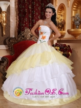 Santa Ana Colombia Wholesale Romantic White and Light Yellow Quinceanera Dress With Embroidery Decorate For Military Ball Style QDZY420FOR