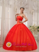 Tumaco Colombia Wholesale Fall Sweetheart Red Sweet Quinceanera Dress With Appliques Decorate and Ruch For Formal Evening Style QDZY521FOR